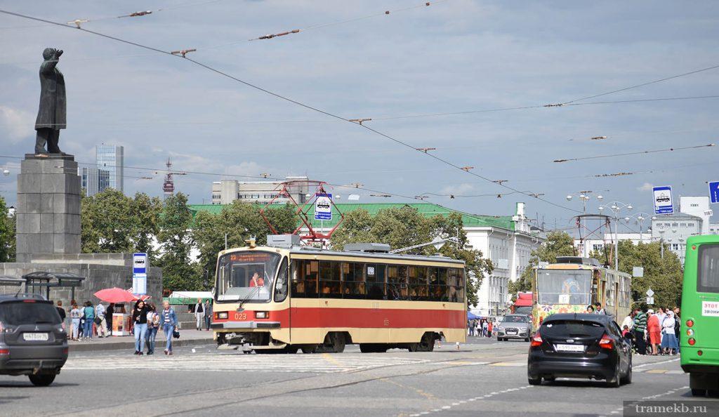 Трамваи на площади 1905 года