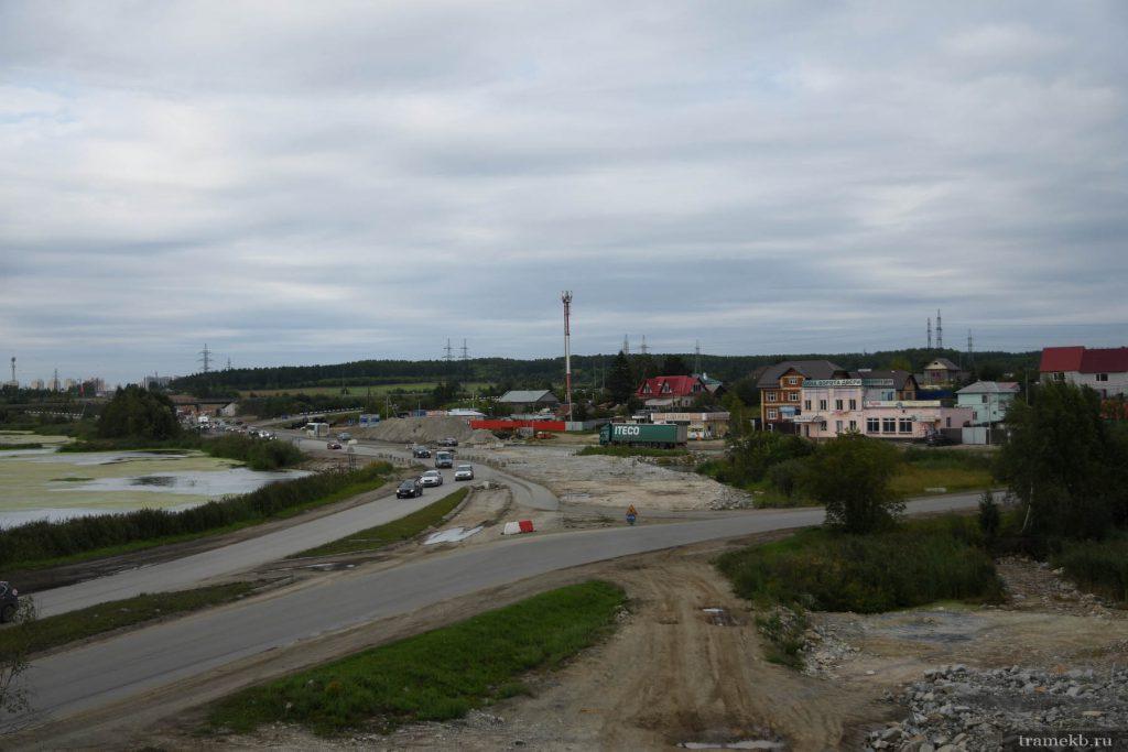 Строительство трамвайной линии в Верхнюю Пышму. Вид с насыпи на трассу будущей линии