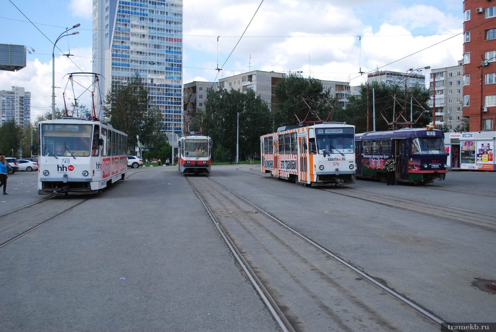 Трамваи на конечной станции «ЦПКиО»