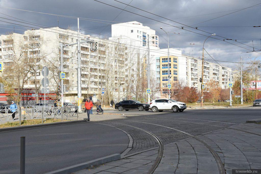 Строительство трамвайной линии в Верхнюю Пышму. Поворот с Фрезеровщиков на Шефскую